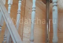 Точеные балясины из дерева на мансардный этаж