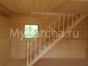 Деревянная лестница одномаршевая